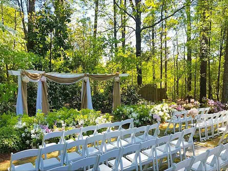 Simple Gatherings at Four Oaks Manor