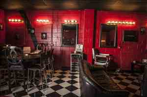 Country Club Cigar Lounge